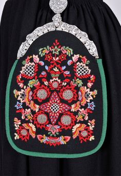 Valdres Folk Costume, Costumes, Scandinavian Embroidery, Folk Embroidery, Norway, Projects To Try, Sewing, Friends, Pattern