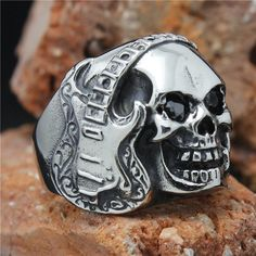 Mens 316L Stainless Steel Cool Roll & Rock Music Black CZ Eye New Silver Skull Ring