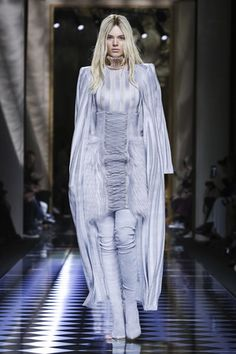 LIVESTREAMING: The Balmain Fashion Show, ready-to-wear collection Fall Winter 2016 runway show in Paris </iframe</p>