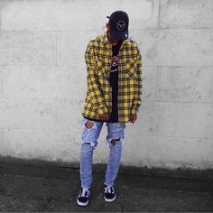 Oversized Flannel Outfits, Flannel Outfits Summer, Flannel Fashion, Plaid Outfits, Boy Outfits, Yellow Flannel Shirt, Flannel Shirt Outfit, Mens Flannel, Flannel Style