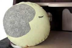how to make a dream pillow- moon phases free pattern