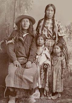 Crow Indian women with children