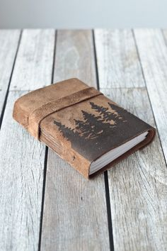 Leather Journal great gift for dads at christmas or birthday time for men who like to blog old school style
