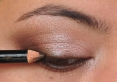 Soft, smoky eye shadow tutorial with Wet n Wild's Sweet As Candy palette.