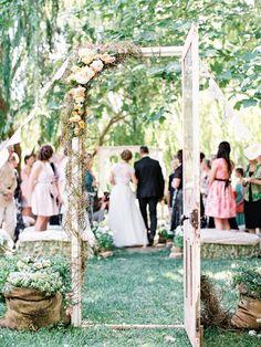 Idée pour une entrée de mariée champêtre et chic