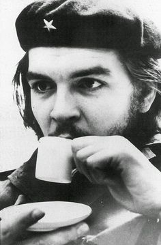 Ernesto Rafael Guevara de la Serna commonly known as Che Guevara drinking coffee, Photograph, Um 1955 (Photo by Imagno/Getty Images)