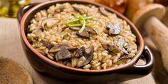 5+1 συνταγές με μανιτάρια που θα γλείφετε τα δάχτυλά σας -Μανιτάρια αλά γκρεκ όπως τα τρώνε οι Γάλλοι, μανιταρόπιτα Mushroom Broth, Mushroom Rice, Bolet, Cooking Risotto, Rice Side Dishes, Grilled Seafood, Stuffed Mushrooms, Stuffed Peppers, Al Dente
