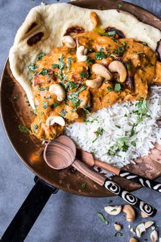 But this recipe isn't for homemade paneer. Today I am telling all about how I fried the paneer in a skillet, made it crispy and then tossed it in a creamy cashew Indian butter sauce. The Indian food lovers are going insane right now. Indian Food Recipes, Asian Recipes, Healthy Recipes, Indian Vegetarian Recipes, Vegan Indian Food, Vegetarian Lunch, Indian Snacks, Lunch Recipes, Healthy Food