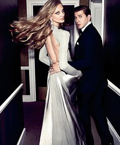 RalphLauren In Harper's Bazaar this month, Downton Abbey actor Allen Leech wears Ralph Lauren Purple Label and Anna Selezneva wears Look 37 from the Fall 2014 Ralph Lauren Collection, which is inspired by architectural shapes in soft, shimmering hues. Fashion Moda, Womens Fashion, Fashion Trends, Fashion Shoot, Editorial Fashion, Glamour, Heidi Klum, Couple Photography, Fashion Photography