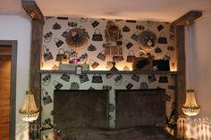 Zimmer Mailand im hotel Träumerei #8  =====  #Mailand #traeumerei #traeumerei8 #hotel #kufstein #austria #tirol #auracherlöchl #romantikhotel #hoteldesign #hotelroom #room #mailand #hoteldecor #uniquedecor #uniquedesign #butiquehotel #riverhotel #besthotel #beautifulhotel Beautiful, Frame, Design, Home Decor, Remodels, Picture Frame, Decoration Home, Room Decor