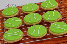 Hora de jugar #tennis. ¡Galletas Decoradas!  www.mocka.co  #mocka #pasteleria #cakeshop #cookies #galletas #galletasdecoradas