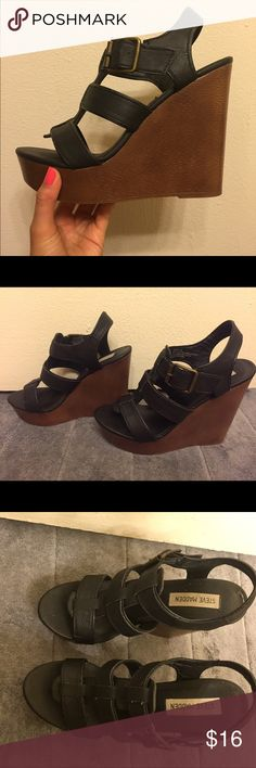Steve Madden platform sandals 7.5 Excellent condition Steve Madden platform heels. Size 7.5. Platform measures 5 inches. Only worn 3 times!  NOTE: IF YOU BUY IT I WILL SHIP UNTIL AUGUST 22ND SINCE I WILL BE OUT OF TOWN Steve Madden Shoes Platforms
