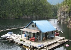 This floating homestead blows traditional boat-based homes out of the water, so to speak. How much to buy it? Well, the current owners purchased it a decade ago for around twenty-five thousands dollars USD. Unreal, no? Powell Lake British Columbia