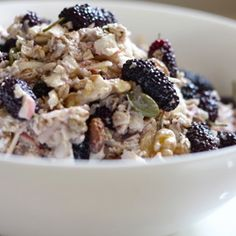 Bircher Muesli with Runny Honey & Mulberries Gluten Free Breakfasts, Healthy Breakfast Recipes, Bircher Muesli, Breakfast Porridge, Health Tonic, What You Eat, Oatmeal, Good Food, Cooking Recipes
