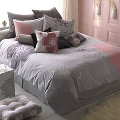 pictures of grey and pink rooms | Gold Cage: Favorite Combos - Pink & Gray