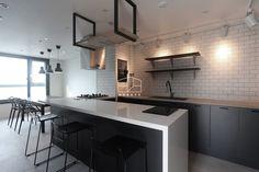 주방 디자인 검색: 모던한 느낌의 23평 인테리어 당신의 집에 가장 적합한 스타일을 찾아 보세요 Kitchen Interior, Home Interior Design, Kitchen Sink, House Design, Dining, Living Room, Table, Furniture, Home Decor