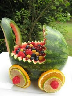 watermelon baby carriage fruit basket photos to show you how easy it is to make a watermelon baby buggy Watermelon Fruit Salad, Watermelon Carving, Fruit Salads, Fruit Snacks, Watermelon Basket, Fruit Bowls, Watermelon Images, Watermelon Ideas, Watermelon Decor