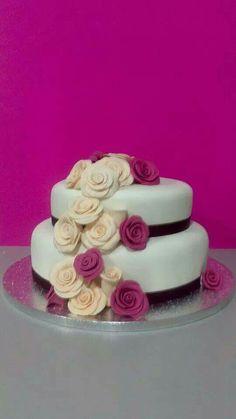 Tarta para una boda intima, pero bonita
