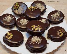 Húúú, de ott van, tökéletes!! Hungarian Recipes, Small Cake, Diy Food, Cake Cookies, Nutella, Cake Recipes, Deserts, Food And Drink, Pudding