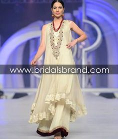 for the first sufa round hints of pink can start poping up as in the lower and the neck piece Pakistani Couture, Pakistani Outfits, Indian Outfits, Party Wear Dresses, Casual Dresses, Eastern Dresses, Asian Wedding Dress, Desi Clothes, Special Dresses