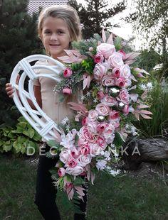 Wreaths For Front Door, Door Wreaths, Spring Wreaths, Diy Wreath, Funeral, Bouquets, Floral Wreath, Hearts, Flowers