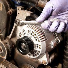 auto repair 100 Super-Simple Car Repairs You Dont Need to Go to the Shop For Truck Repair, Engine Repair, Car Engine, Vehicle Repair, Car Fix, Bmw Autos, Shops, Car Hacks, Diy Car