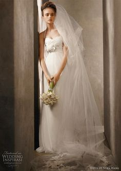 vera wang petite wedding dresses   Vera Wang White Wedding Dresses 2011 Collection