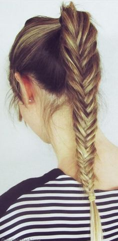 Cute, maybe volleyball hair