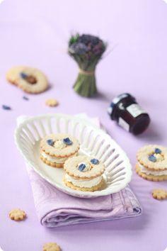 Печенье с фиалковым кремом / Biscoitos com recheio de violeta