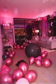 18th Birthday Party Themes, Sleepover Birthday Parties, Birthday Goals, Birthday Party For Teens, 14th Birthday, Pink Birthday, Birthday Party Decorations, Birthday Ideas, Bday Girl