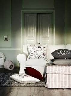 The IKEA HEDBLOMSTER cushions are the perfect feminine touch for Mom. Its embroidery adds texture and luster to the cushion. You can easily vary the look, because the two sides have different designs.
