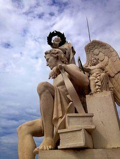 Ver(de)Água - Triumphal Arch, Lisbon (Portugal)