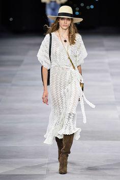 Focus On Classy - Paris FW / Celine & Balmain / Odetta Pavlova / Spring 2020 Ready-to-Wear Fashion Show Fashion Week Paris, Fashion 2020, Runway Fashion, Spring Fashion, Winter Fashion, Fashion Trends, Celine, Mode Crochet, Crochet Lace