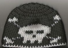 beanie crochet skull and crossbone beanie - She posted a color chart but no other instructions. Must figure this out lol - Crochet Skull Patterns, Crochet Beanie Pattern, Crochet Cap, Crochet Stitches, Free Crochet, Knitting Patterns, Crocheted Hats, Crochet Crafts, Yarn Crafts