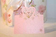 """Hochzeitsdeko, Platzkarte, Namenkärtchen, Tischdekoration, Dekoration, Etikett, rosa, Platzkärtchen """"Herz"""", 50 Stück von Pompompous auf Etsy"""