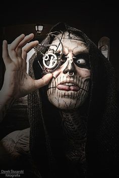 you see freak! I see an artist!