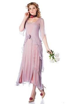 You'll look like a true 1920s darling when you step out wearing the Great Gatsby Party Dress in Mauve by Nataya Vintage 20s Dresses, 1920s Fashion Dresses, Vintage Inspired Dresses, Plus Size Wedding Guest Dresses, Evening Dresses Plus Size, Great Gatsby Party Dress, Bridesmaid Dresses, Wedding Dresses, Bride Dresses