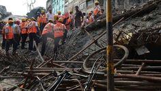 Se derrumba un puente en India: hay varios muertos y decenas de desaparecidos | El Puntero