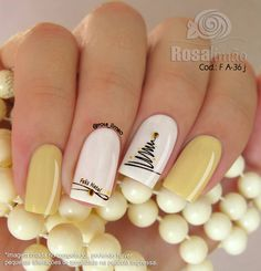 2019 faszinierende quadratische Acrylnägel in der. You are in the right place about Spring Nails . Cute Christmas Nails, Xmas Nails, Holiday Nails, Fun Nails, Gold Christmas, Gold Nails, Christmas Tree, Nail Art Noel, Nail Art Diy
