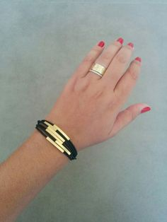 Leather Bracelet, women leather bracelet , Leather Gold Bracelet, Black leather bracelet, Beige leather bracelet, Gold Tube Bracelet A unique handmade gold square tubes threaded on black silicone strings. this bracelet gives a clean and modern look. Bracelet measurements are; 7.5 [19cm] length (different size available at your request) made of 24k gold plating, with magnetic closure.