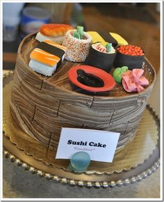 Sushi Cake made with fondant. Confusing to taste buds? Sushi Cake, Sushi Party, Unique Cakes, Creative Cakes, Beautiful Cakes, Amazing Cakes, Fondant Cakes, Cupcake Cakes, Sweet Sushi
