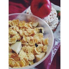 Oh well, I have only 4 classes more to attend to. Then art school. After that finally can go home.  Made myself a #lunch for today.   banana slices,  pear slices, cornflakes, an  apple and rice cookies ☺ #Padgram