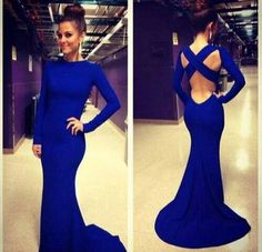 Stunning and love the color! Blue, my fav!