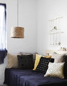 For a perfect bedroom decor, it is essential that you feel comfortable and relaxed, to have good moments when you rest. See this inspiration. #housedesigninterior #bedroomideas #maisonetobjet #masterbedroomideas2017
