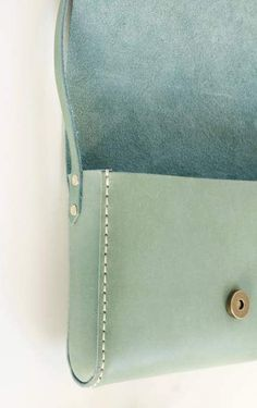 Small cross-body purse // Sage blue green veg tanned leather purse - This would go perfectly with a light summer dress! Leather Art, Leather Handle, Tan Leather, Leather Purses, Leather Handbags, Leather Totes, Green Leather, Vintage Leather, Leather Clutch
