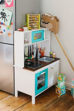 Gorgeous transformation of IKEA Duktig kitchen