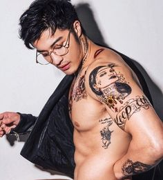 """"""" model/actor edison fan for anastasia beverly hills. he truly looks like an ethereal god"""" Handsome Asian Men, Sexy Asian Men, Asian Boys, Sexy Men, Hot Men, Popular Haircuts, Cool Haircuts, Haircuts For Men, Hairstyles Haircuts"""