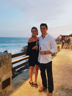 Our Honeymoon in Cabo (New video!), our Cabo San Lucas Guide and my favorite honeymoon outfits! El Farallon is hands down the most romantic place I have ever been to dinner. If you ever go to Cab Mexico Honeymoon, Honeymoon Style, Honeymoon Outfits, Best Honeymoon, Romantic Honeymoon, Cruise Outfits, Mexico Vacation, Honeymoon Clothes, Cancun Outfits