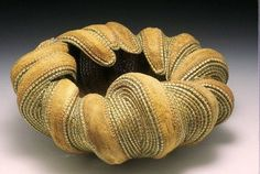 Within by Jan Hopkins, 2002 (materials: Alaskan yellow cedar, waxed linen, and agave leaves) Contemporary Baskets, Making Baskets, Organic Sculpture, Pine Needle Baskets, Textile Fiber Art, Weaving Art, Felt Art, Sisal, Basket Weaving