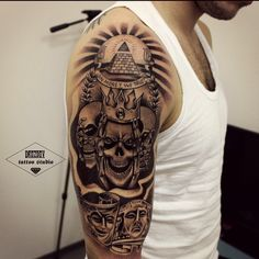 "742 Likes, 20 Comments - Vladimir Drozdov (@drozdovtattoo) on Instagram: ""One session Нога в процессе…"""